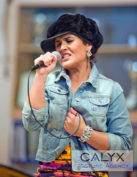 Moniqe Fiddes Gig Swindon