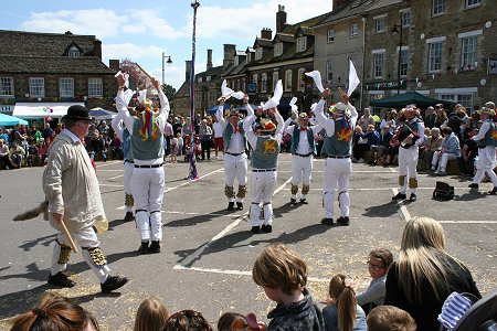 Highworth May Day 2014