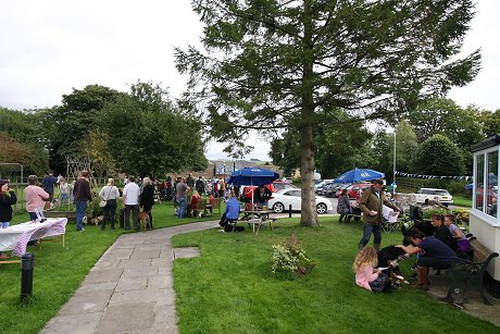 Dog show at The White Horse at Winterbourne Bassett