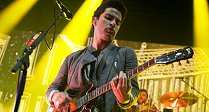 Stereophonics Rock The Oasis!