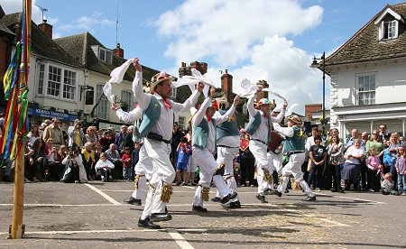 Highworth May Day celebrations 2010