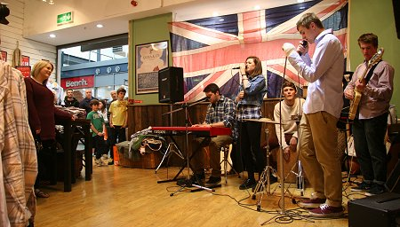 Jess Hall Band at Quba & Co. at Swindon Designer Outlet