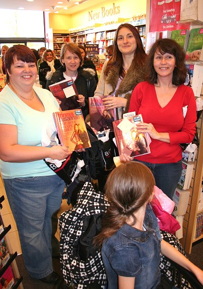 Trinny and Susannah fans in Swindon