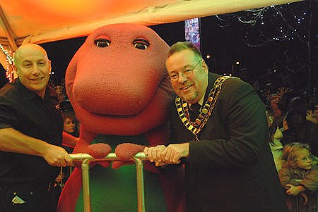 Mamillian Tree of Hope Switch-on at the Outlet Centre