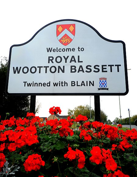 Royal Wootton Bassett road sign
