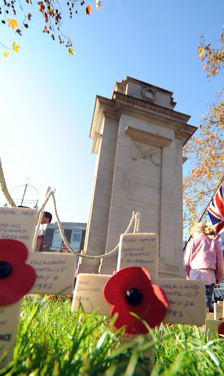 Cenotaph Swindon - 13 November 2011