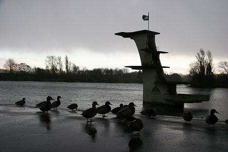 Coate Water Swindon raining