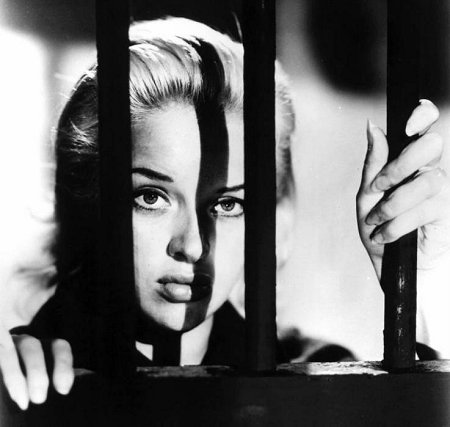 Diana Dors in Yield to the Night