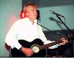 Justin Hayward