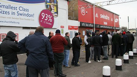 Swindon Town fans queuing up for Oxford United tickets