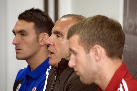 Paolo Di Canio with new signings Gary Roberts and Andy Williams.