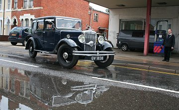 Wedding Car Swindon, braving the rain