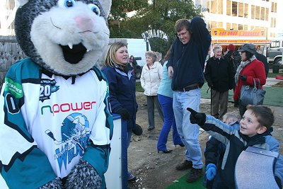 Swindon npower Wildcats' mascot Willie makes a good impression