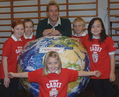 Ben Fogle with pupils from Wroughton Junior School