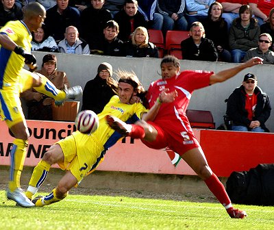 Swindon Town v Leeds Utd 01 March 2008