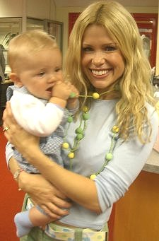 Swindon-born Melinda Messenger rated 16th Sexiest mum in Britain 2008
