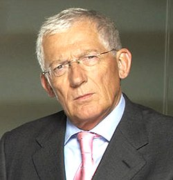 Nick Hewer, Swindon man who helped success of BBC2 series The Apprentice