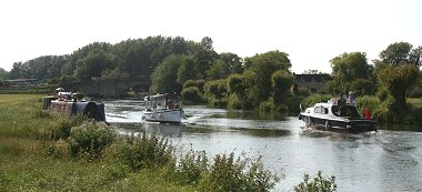 Lechlade Swindon river cruise