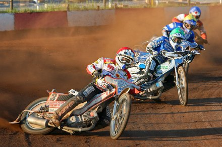 Swindon v Poole in the K.O.Cup 1/4 finals