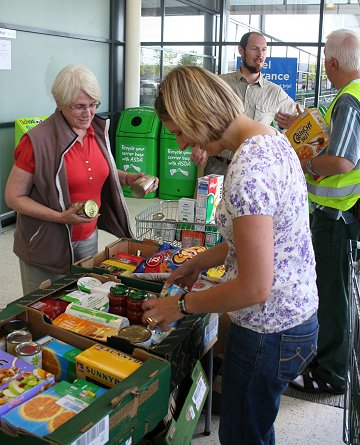 Swindon Foodbank Volunteers collecting at Asda Walmart 02 08 08