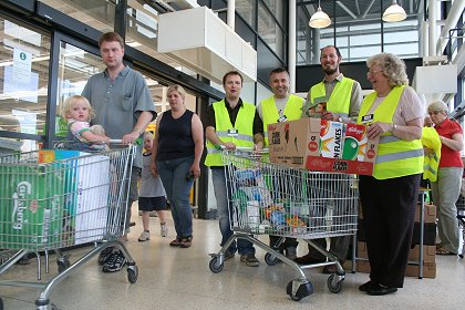 Swindon Foodbank collection at Asda Walmart 02 08 08