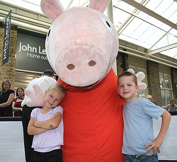Peppa Pig at the Swindon Designer Outlet
