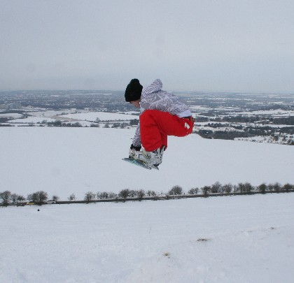 Snowboarding on Liddington Hill, Swindon 08 Feb 2009