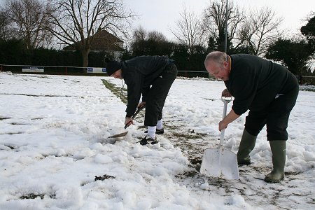 Highworth Town FC pitch covered in snow 14 Feb 2009