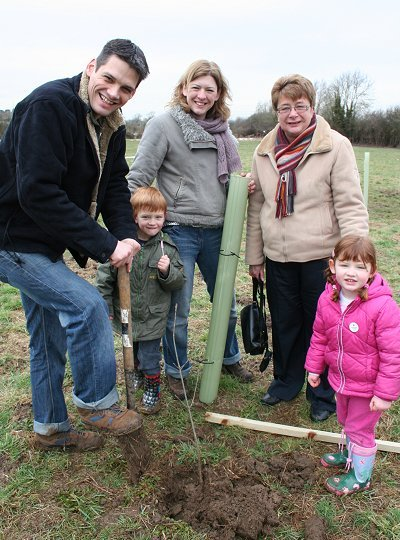 Pentylands Park tree planting 14 Feb 2009
