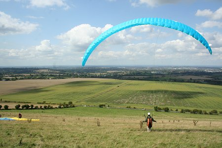 Paragliding on Liddington Hill Swindon