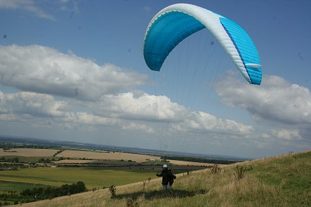 Paragliding in Swindon on Liddington Hill