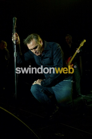 Morrissey collapses on stage at the Oasis in Swindon