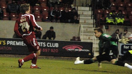 Danny Ward scores for Swindon Town