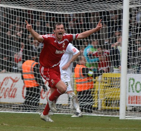 Gordon Greer Swindon Town celebrates scoring the last-minute equaliser against Norwich, 20 March 2010