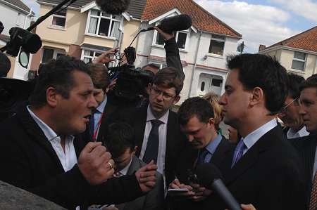 John Doyle confronts Ed Miliband in Swindon