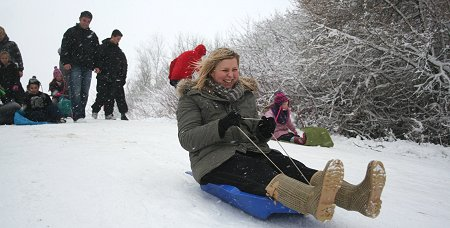 Coate Water Swindon sledging