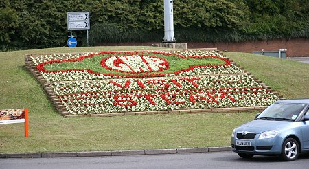 Cockleberry roundabout Swindon flower display