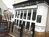 Longs Bar