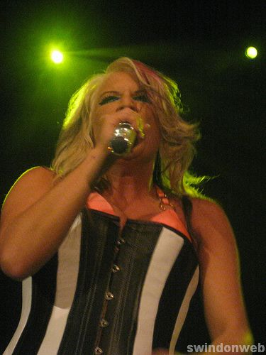 Cascada in Swindon