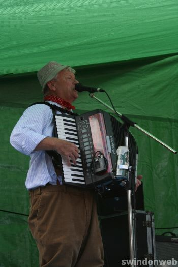Wurzels in Swindon