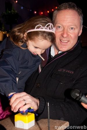 Highworth Christmas Lights with Rory Bremner