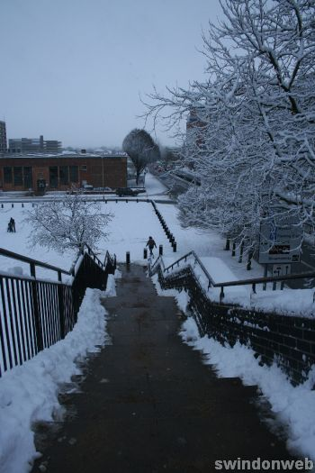 Swindon town centre snow 2010