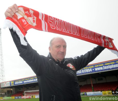 Paul Hart unveiled as new Swindon manager