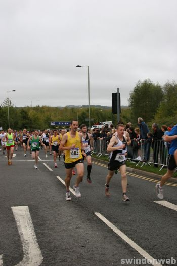 Swindon Half-Marathon 2011 - GALLERY 1